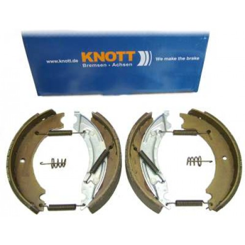 BP 2009AX Knott 200x50 Brake Shoes Axle Set
